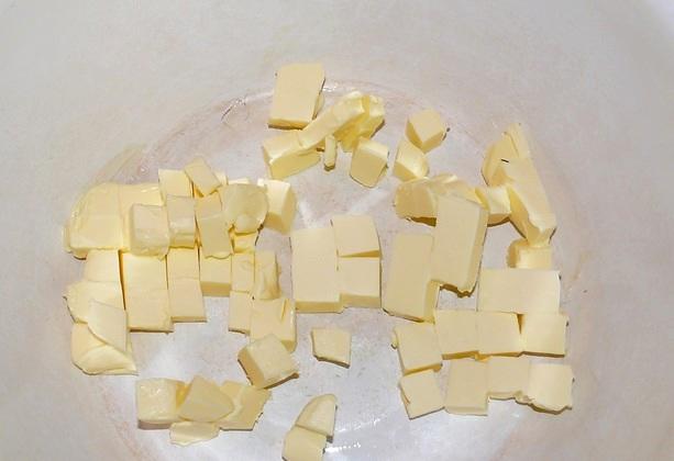 режем сливочное масло