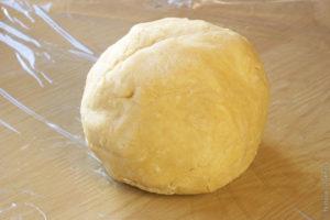 делаем тесто в форме шара