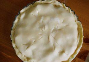 кладем верхний слой пирога