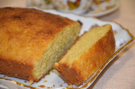 пирог на молоке на тарелке