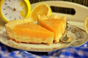 лимонный пирог в мультиварке нарезан на куски