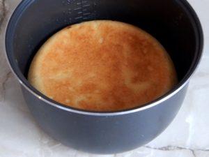 дорумяниваем пирог в мультиварке