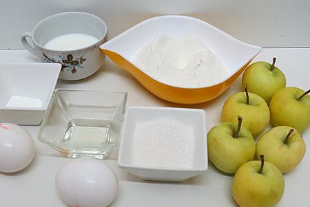 Ингредиенты шарлотки на молоке