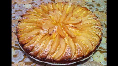 готовый грушевый пирог