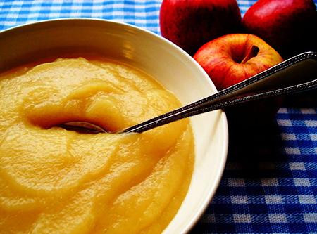 Подготовить пюре из яблок