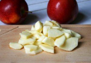 следует подготовить яблоки