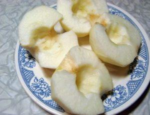 Плоды очистите от кожуры