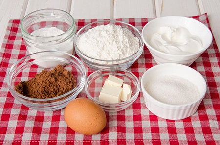 Ингредиенты влажного шоколадного пирога