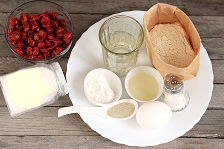 Ингредиенты пирога-улитки с вишней