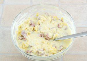 Сыр и сосиски в тесте