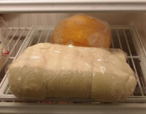 Тесто убираем в холодильник