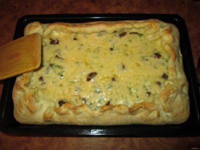 пирог с шампиньонами и сыром