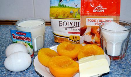 Ингредиенты пирога с консервированными персиками